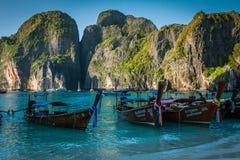 BAIA di MAYA, TAILANDIA, dicembre 9,2013: Boa tailandese tradizionale del longtail Fotografia Stock