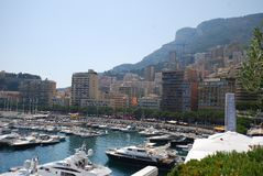 Baia di Monte Carlo, Monaco, città, porticciolo, costa, mare fotografia stock libera da diritti