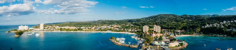 Baia di Och Rios Giamaica panoramica fotografia stock libera da diritti