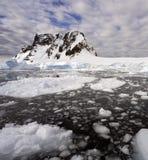 Baia di Pleneau - penisola antartica - l'Antartide Fotografie Stock Libere da Diritti