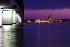 Baia di Sarasota alla notte Immagine Stock