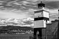 Baia di trascuratezza del faro in bianco e nero Fotografie Stock