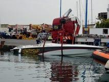 Baia - Motorboat podnosić zdjęcia royalty free