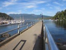 Baia profonda, Pier British Columbia Immagine Stock