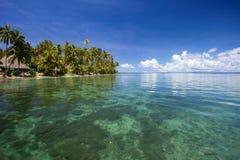 Baia tropicale, Fiji Fotografie Stock Libere da Diritti