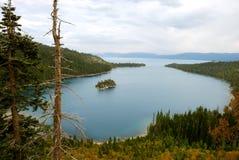 Baia verde smeraldo su Lake Tahoe Fotografia Stock Libera da Diritti
