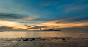Baia Vietnam di Nha Trang del cielo di alba Immagine Stock