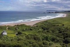 Baie blanche de parc - Ballycastle - Irlande du Nord Image libre de droits