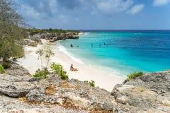 Baie de directeurs par les vues du Curaçao de mer Images libres de droits