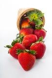 Baie de fraises d'isolement image stock