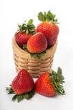 Baie de fraises d'isolement photo stock