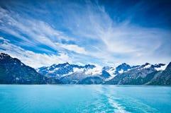 Baie de glacier en montagnes en Alaska Images libres de droits