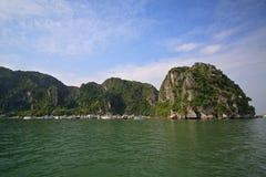 Baie de Halong dans Quangninh, Vietnam Images libres de droits