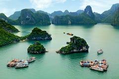 Baie de Halong dans Quangninh, Vietnam Image stock