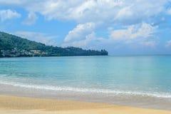 Baie de Kamala en île de Phuket Images libres de droits