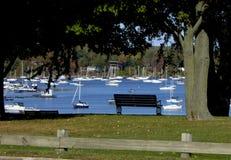 Baie de Malletts de vue de banc Image stock