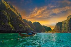 Baie de Maya, attraction touristique tropicale en Thaïlande Photo stock