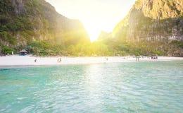 Baie de Maya au lever de soleil images stock