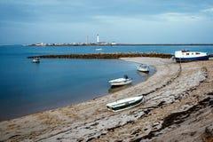 Baie de pêche dans la côte de l'Océan Atlantique, Faro, Portugal Photos libres de droits