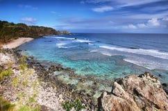 Baie de Poelua dans le rivage du nord Maui Image libre de droits