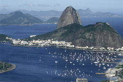 Baie de Sugar Loaf (Pão de Açucar) et de Botafogo en Rio de Janeiro, Photo stock