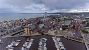Baie de Swansea et marina de Tawe de rivière Photographie stock libre de droits