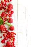 Baies de framboise de fraise Photographie stock libre de droits