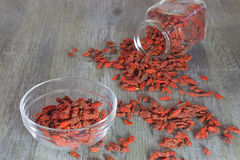 Baies de Goji, superfood sain, concept de régime Photo stock