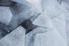 Baikal湖冰的几何样式 冬天纹理 免版税库存图片