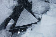 Baikal湖冰的几何样式 冬天纹理 库存照片