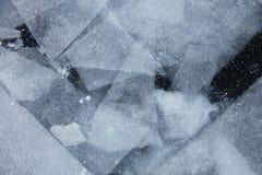 Baikal湖冰的几何样式 冬天纹理 免版税库存照片