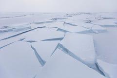 Baikal湖,在冰的镇压 冰川 冬天 库存照片