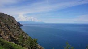 Baikal, Ansicht vom Umhang Khoboy Lizenzfreie Stockbilder
