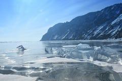 Baikal in de winter Het ijs en de aard van Baikal Februari 2018 royalty-vrije stock foto