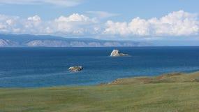 Baikal, Inseln vom kleinen sehen Stockbilder