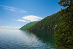 Baikal jeziora wybrzeże; blisko Listvyanka Obraz Royalty Free