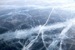 baikal lodowe wyspy olkhon czerwieni skały Pęknięcia w lodzie Baikal obrazy stock