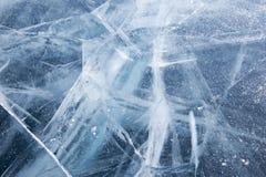 baikal lodowe wyspy olkhon czerwieni skały Pęknięcia w lodzie Baikal zdjęcia royalty free