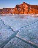 Baikal Lodowy i Podpalany Uzur w ranku, Olkhon wyspa, Jeziorny Baik Fotografia Stock