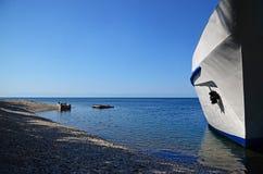 Baikal, 29 RU-Juli, 2017: Het passagiers toeristische schip op Meer Baikal Royalty-vrije Stock Afbeeldingen
