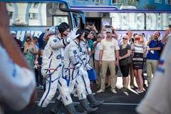 BAIKONUR, KAZAJISTÁN - JULE, 28: envían los astronautas reales, astronautas al ISS en un cohete de espacio ruso randolph Fotografía de archivo libre de regalías
