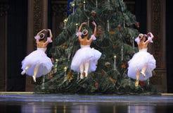 Bailado da dança da menina da saia do fio imagens de stock