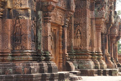 Bailarín de Apsara en las paredes Banteay Srei Foto de archivo libre de regalías