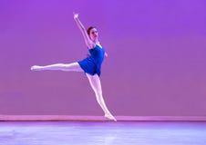 Bailarín de ballet adolescente Fotos de archivo libres de regalías