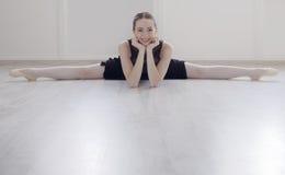 Bailarín de ballet clásico en retrato de la fractura Fotos de archivo libres de regalías