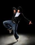 Bailarín de Hip Hop con el capo motor Fotos de archivo libres de regalías