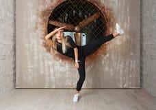 Bailarín de la muchacha de la danza de la calle Imagenes de archivo