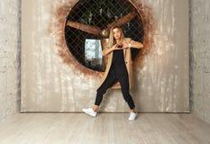 Bailarín de la muchacha de la danza de la calle Fotografía de archivo