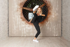 Bailarín de la muchacha de la danza de la calle Imagen de archivo libre de regalías