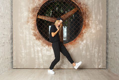 Bailarín de la muchacha de la danza de la calle Fotografía de archivo libre de regalías